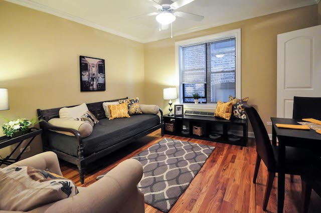 living room of Lincoln Park apartment for rent in Chicago