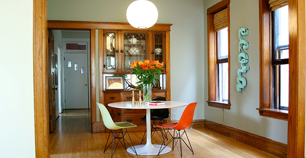 vintage apartment for rent in Logan Square Chicago with separate dining room