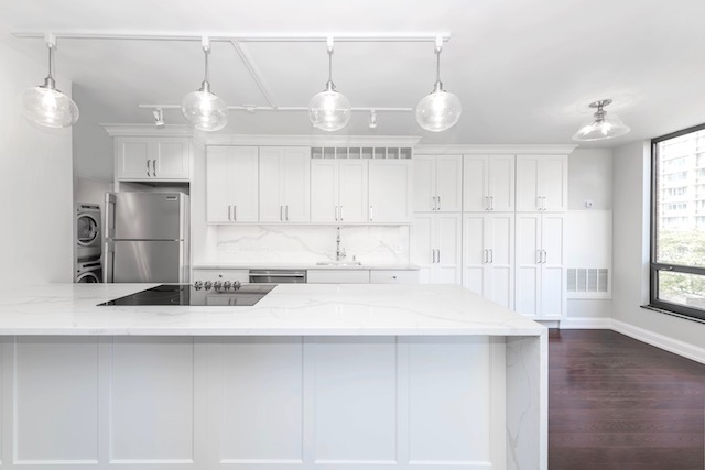 kitchen of Gold Coast apartment for rent at Astor House Apartments in Chicago