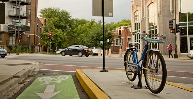 protected bike lane on North Glenwood Avenue in Edgewater neighborhood of Chicago
