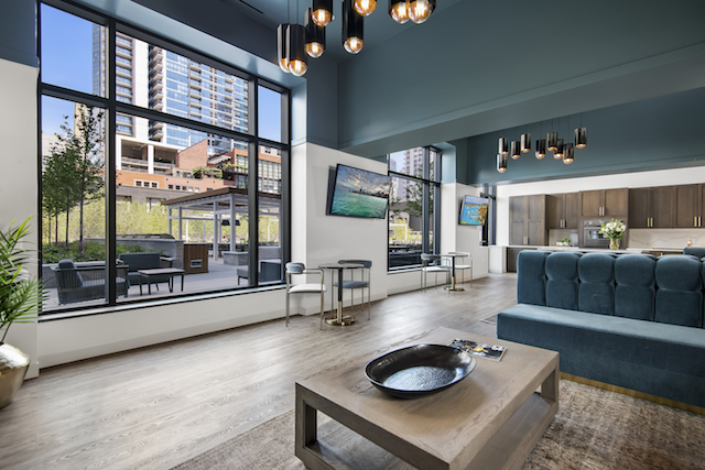 resident lounge in River North Park apartments for rent in Chicago