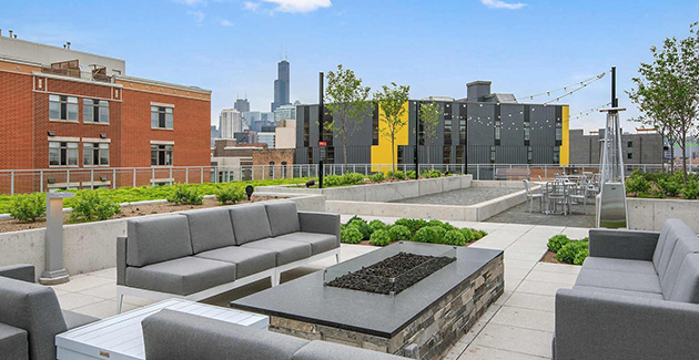 rooftop lounge at Spoke Apartments in River West, Chicago