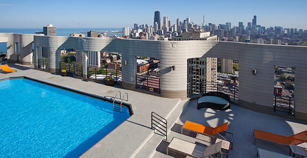 rooftop pool deck at Eugenie Terrace apartments in Old Town, Chicago