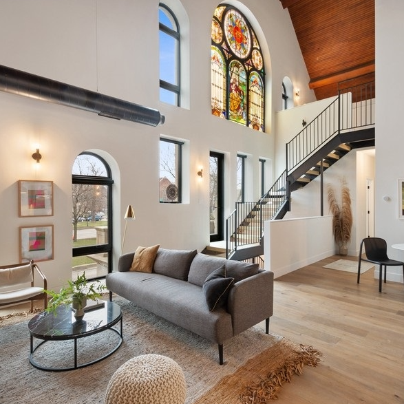 loft apartment with high ceilings and antique stained glass windows in Chicago apartment for rent
