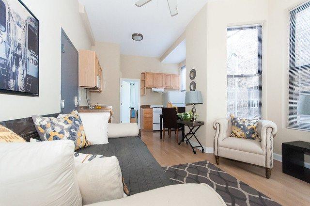 742 West Fullerton Apartments