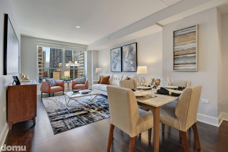 livin adinig at 850 Lake Shore Drive Apartments