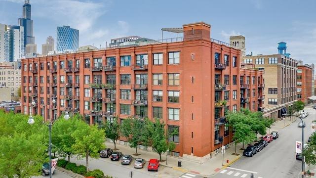 1000 W Washington Lofts Apartments