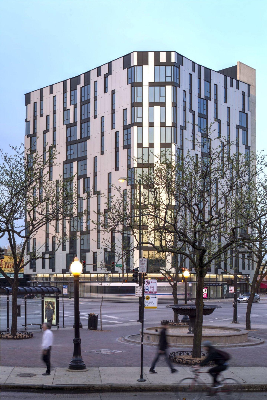 1611 West Division Apartments