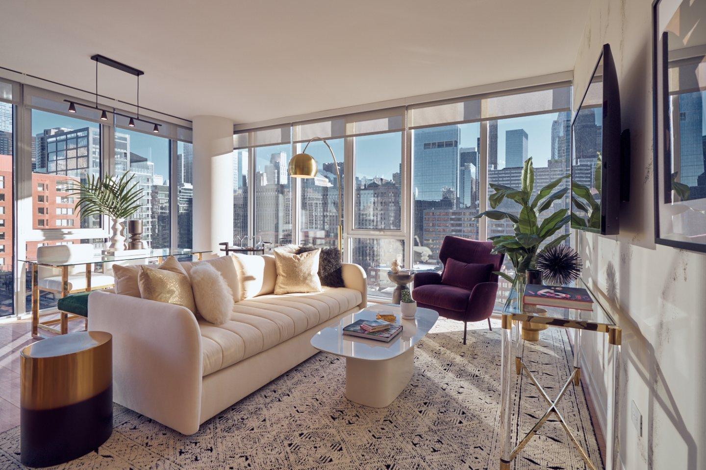 369 W Grand Luxury Apartments