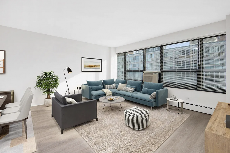 350 West Oakdale Apartments
