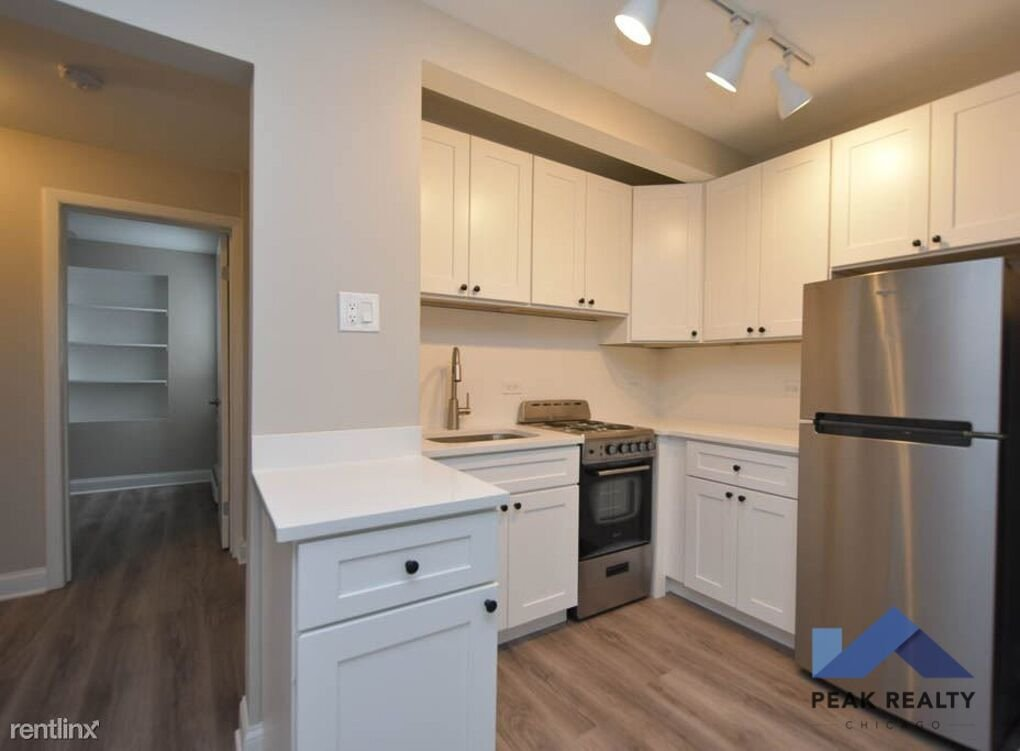 3941 North Pine Grove Apartments