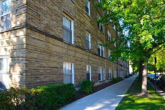 view along side of 4151-57 W Cullom/ 4248-58 N Kevdale aprtments in Chicago