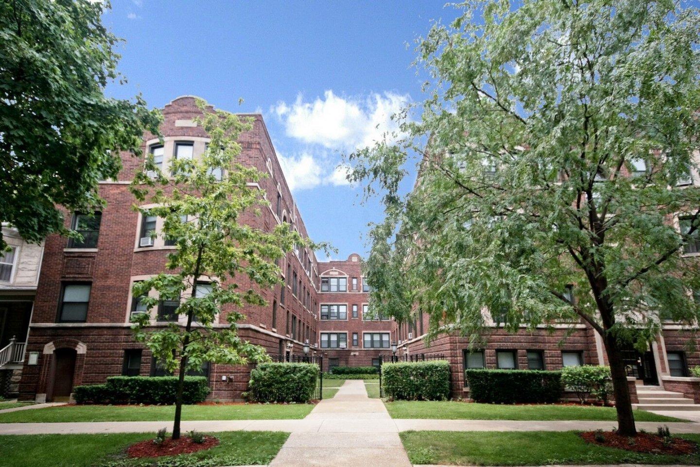 5552-5560 North Lakewood Apartments