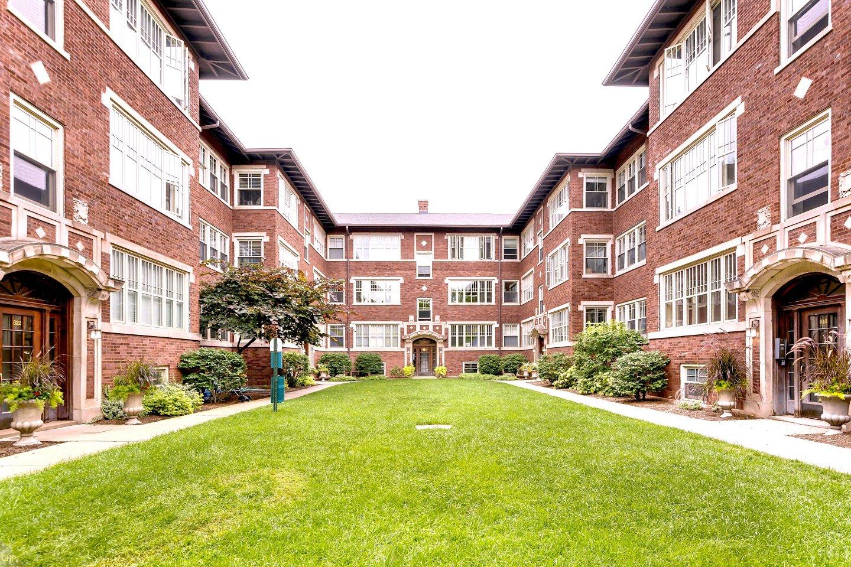 632-640 Hinman Apartments