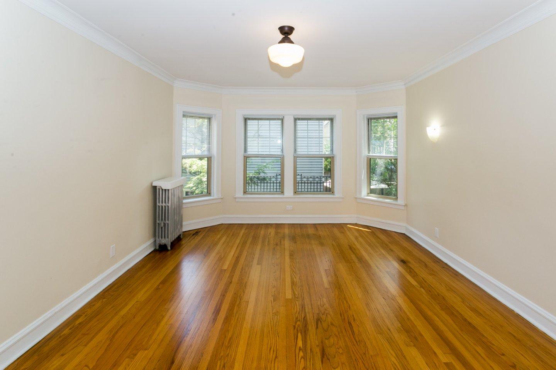 914 Crain Street Apartments