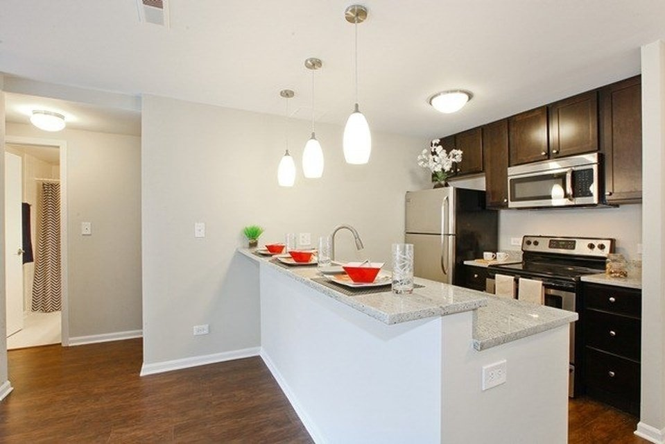 model kitchen unit at 1802 North Halsted Apartments