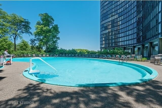 outdoor swimming pool deck at Chicago condominium building Lake Point Tower