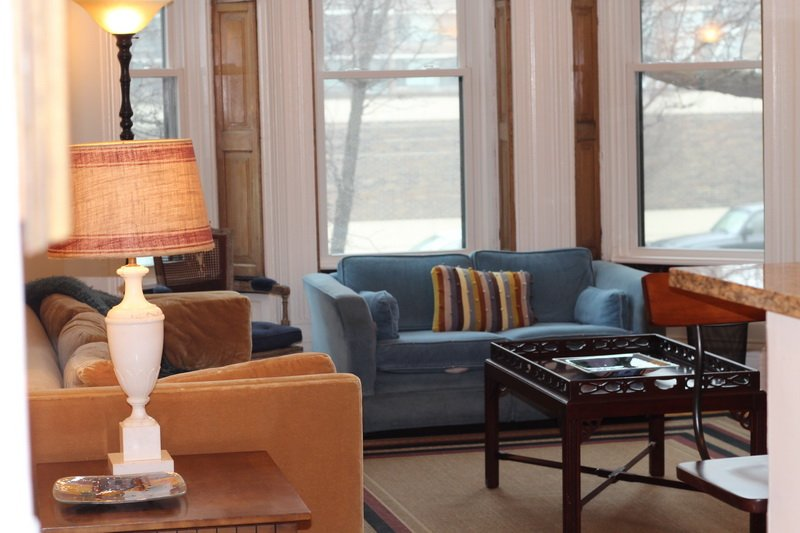 living room at 1522 North LaSalle Apartments