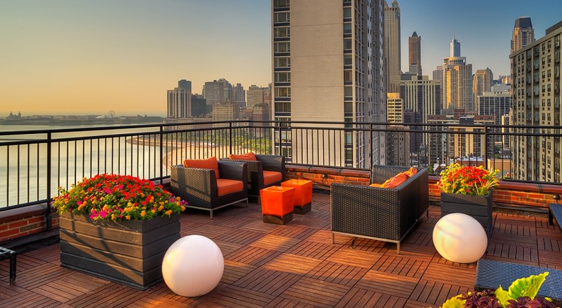 roof deck at 1350 N Lake Shore Apartments with view of downtown Chicago
