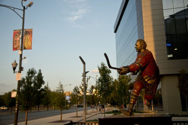 Bobby Hull statue at United Center Chicago on Near West Side Chicago