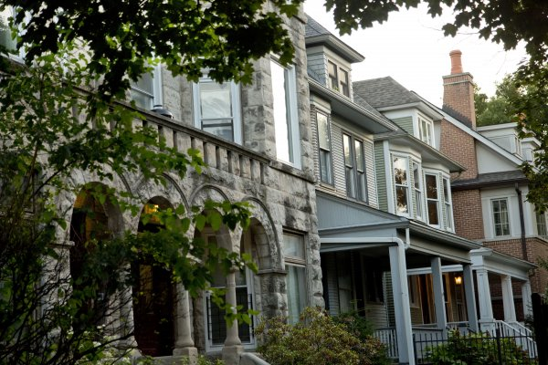 Stone masonry facade and front porches on single family homes in Graceland West Chicago